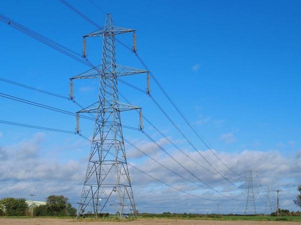 Electric Power transmission lines. Image credit MediaWiki