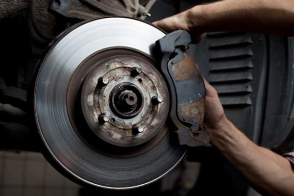 Car brakes. Image driverside.com