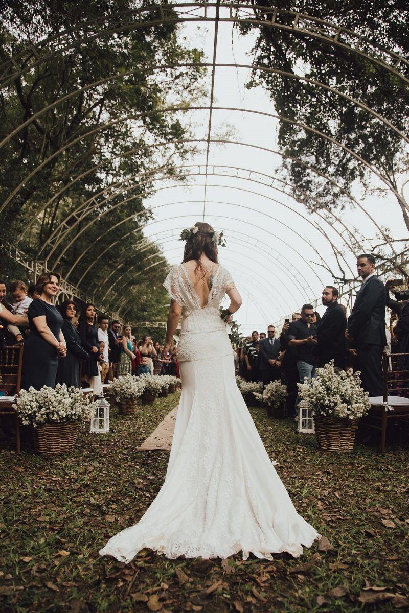 entrada-da-noiva-na-cerimônia-de-casamento