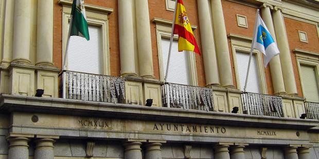 Los andaluces sitúan a sus ayuntamientos a la cola de la gestión municipal