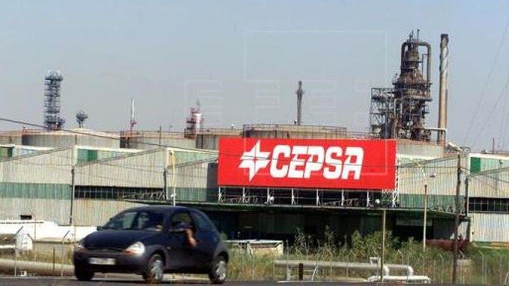 """La refinería de La Rábida registra un nuevo incendio que """"ya ha sido controlado"""", según Cepsa"""