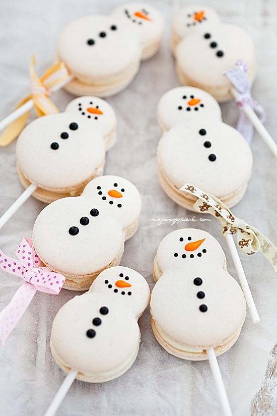 Postres navideños: macarrones de muñeco de nieve