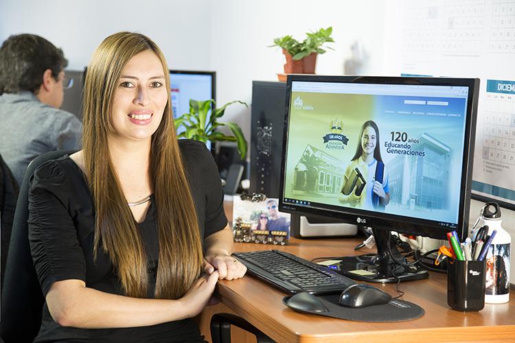 Stephanie Bustos de Middleton, asesora pedagógica del Portal de Educación, en la ACES.
