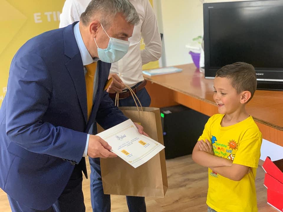 """Liberalii argeșeni au oferit copiilor """"armele"""" preferate ale Brătienilor 1"""