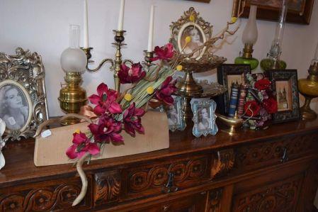 Lichidare de stoc la Chapeau! Obiecte de artă și flori la reduceri de 50 la sută 3