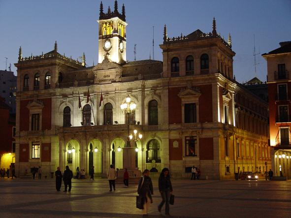 Ayuntamiento de Valladolid en la plaza Mayor. Foto: LJC