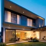 Casa V por la firma Agraz Arquitecos, dirigida por el arquitecto Ricardo Agraz, participante del 7º CIIA, 2014.