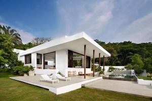 firma Octubre del arquitecto Guillermo Arias y Luis Cuartas.