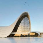 Heydar Aliyev, obra por la arquitecta Zaha Hadid, finalista en el Design of the year 2015.