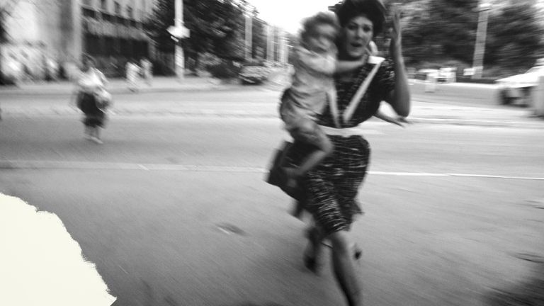 Cinco ideas de Susan Sontag sobre fotografía y violencia