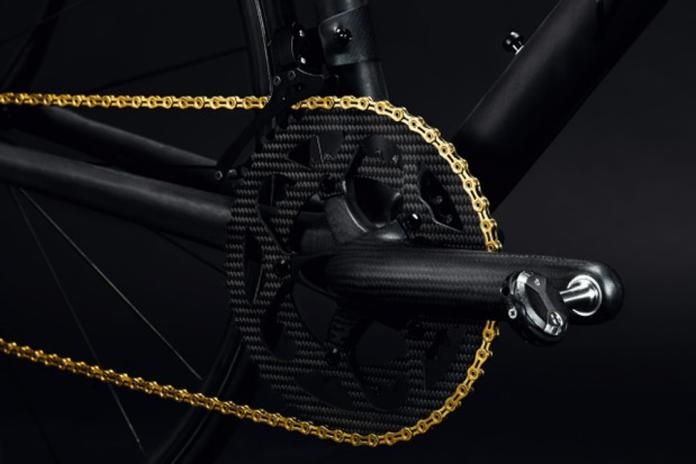 Manivelas THM Clavicula com coroas de carbono montadas em bicicleta de estrada Berk de 3,9 kg