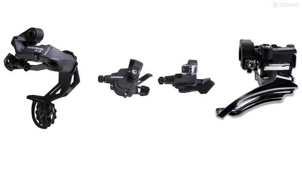 O SRAM X3 não é um conjunto completo de grupos, mas marca a entrada dos componentes de mountain bike da SRAM. A SRAM oferece cassetes, correntes e pedivelas como opções separadas 'fora da série' aqui