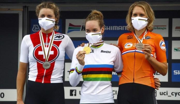Anna van der Breggen, campeã do mundo de contrarrelógio após queda de Chloe Dygert