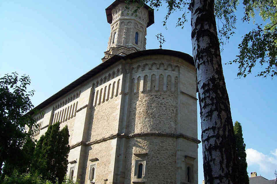 Dragomirna, mănăstirea dintre brazi