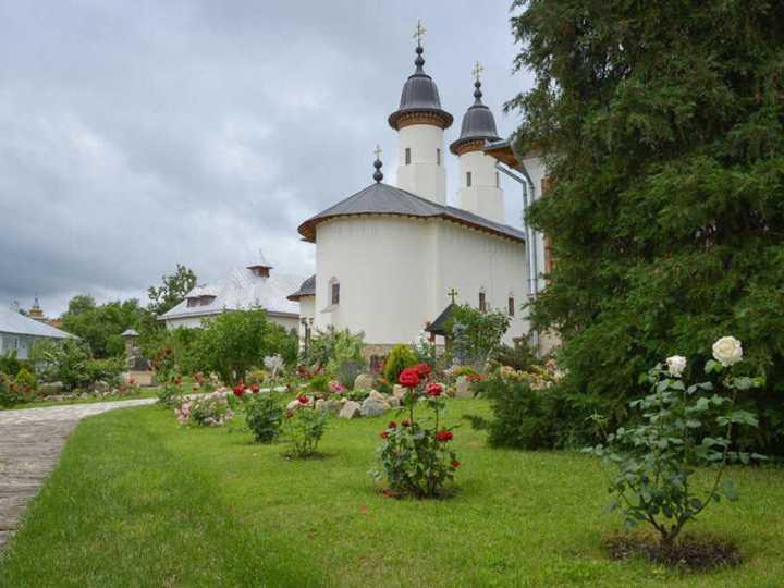 manastirea-varatec