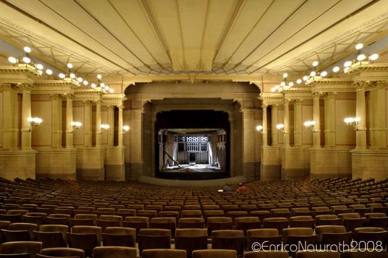 A Festpiel Haus, em Bayreuth, já no formato proposto por Wagner