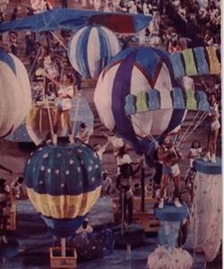 Alegoria pensada pela carnavalesca Lícia Lacerda