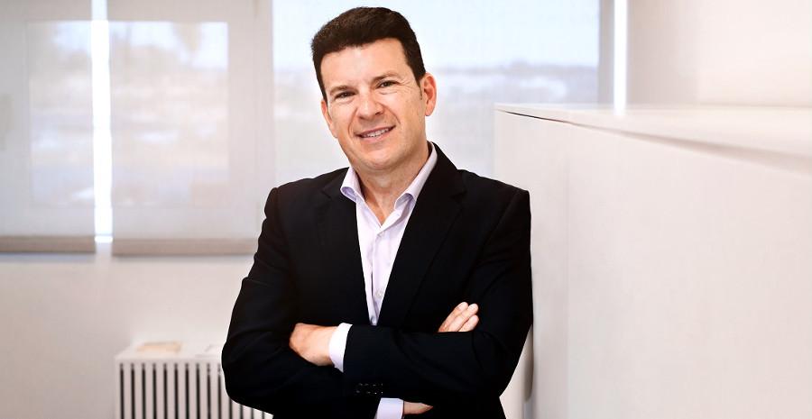 Raúl Morales, Soltec