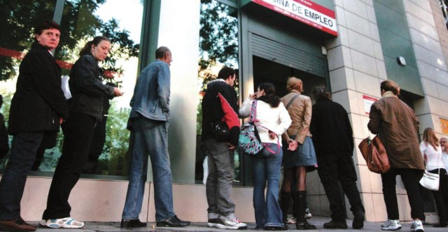 España, colas en las ofinas de empleo