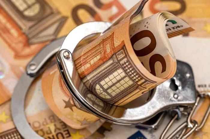 El dinero también está parado, en EEUU y en Europa