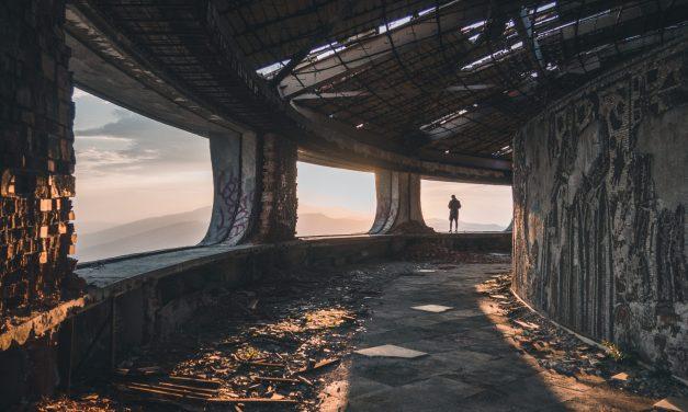 """El Cavernal o purgatorio de almas. """"Los ancianos siderales"""", de Luis Mateo Díez"""