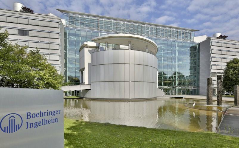 Entrada da empresa Boehringer Ingelheim, que lança pesquisas sobre o tratamento do câncer