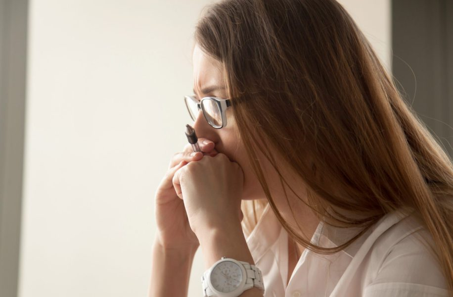 Mulher com Síndrome de Burnout