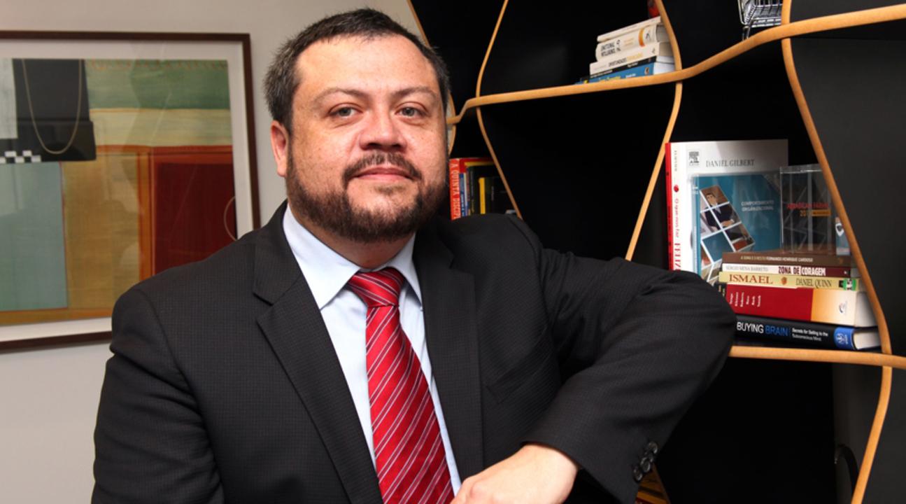 É De Farmácia recebe Sérgio Mena Barreto para falar sobre varejo farma