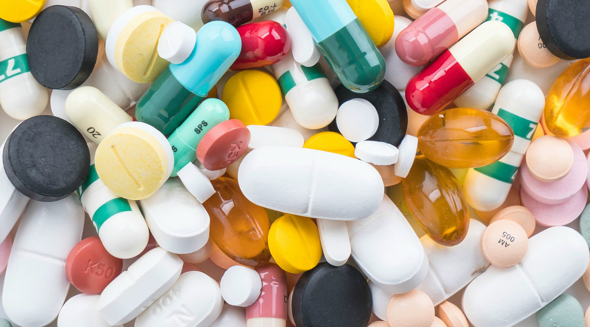 Medicamentos controlados e antimicrobianos