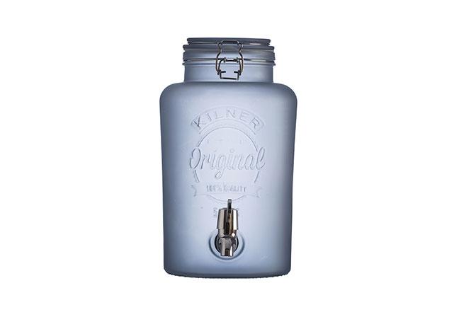 KILNER | Perfeita para servir diversos tipos de bebida, esta suqueira é produzida em vidro no tom azul e traz o toque vintage original da marca para servir com estilo