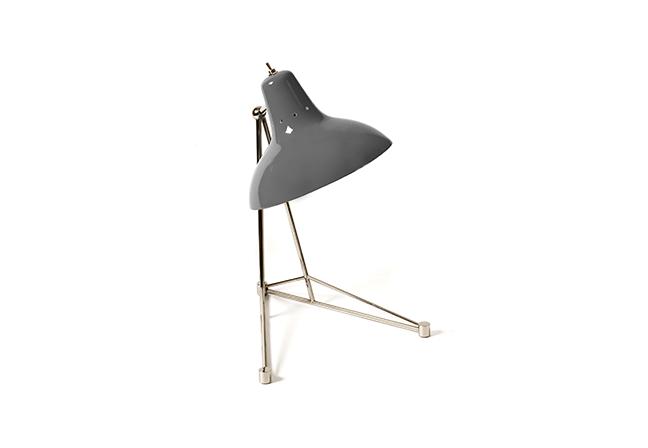 DELIGHTFULL: Com inspiração industrial, a luminária de mesa Diana pode se encaixar em diversos estilos de décor
