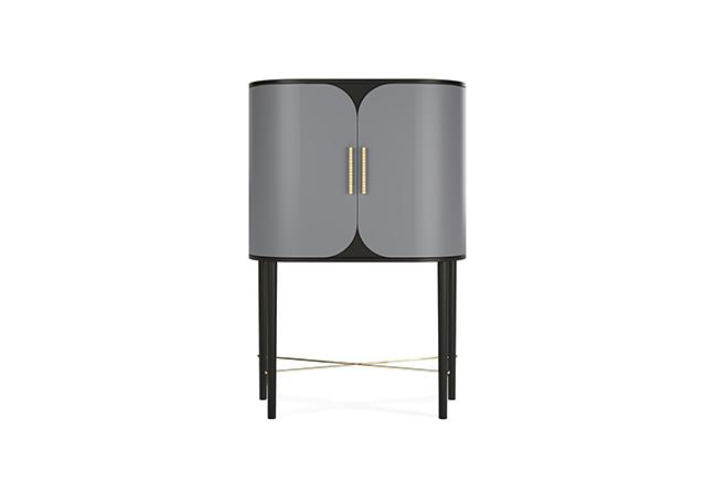 JETCLASS: Os estilos vintage e contemporâneo foram unidos para criar o bar Azure. O design curvo pontua uma expressão marcante nos interiores