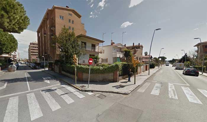 El cruce de la Carretera de Vilasar con Jacint Verdaguer está regulada por semáforos