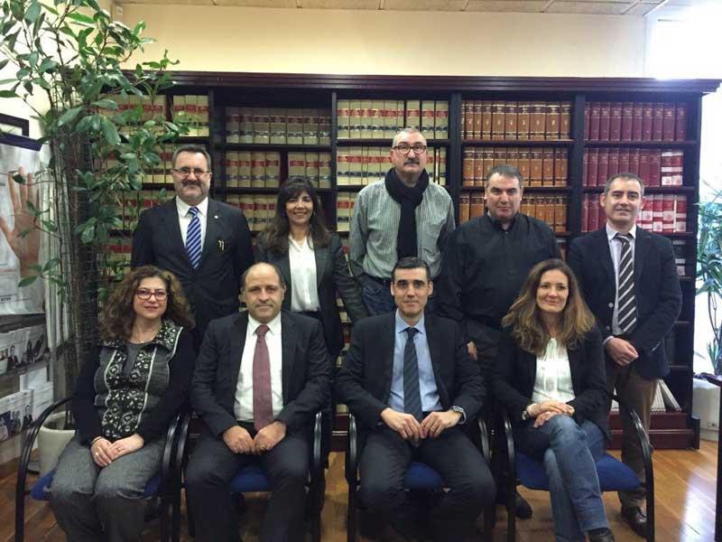 La nueva junta de los abogados de Mataró. Foto: icamat