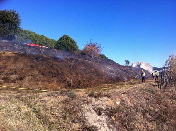 El incendio requirió la actuación de tres unidades de los bomberos