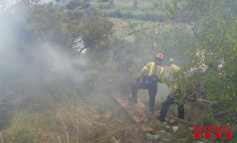 El incendio ha activado 11 unidades terrestres de los bomberos
