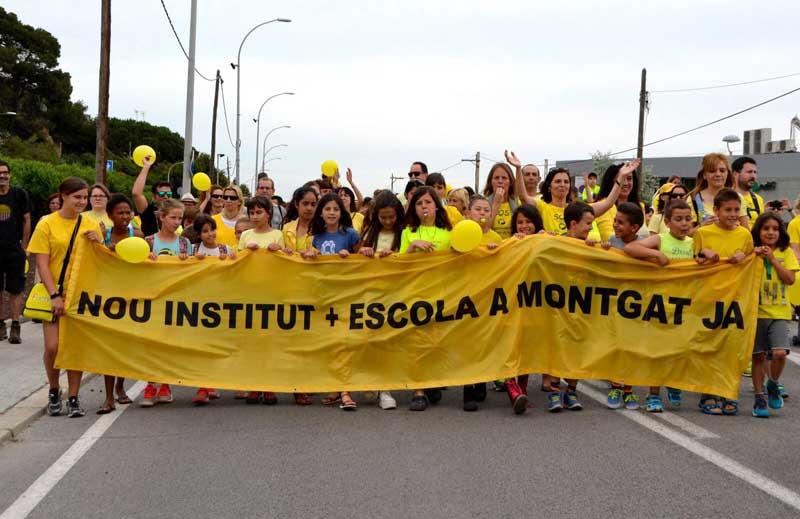 La cabecera de la manifestación. Foto: Diari d'Educació