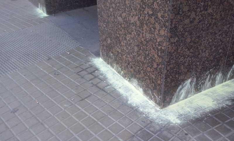 Colocar azufre en las esquinas, una práctica aún habitual
