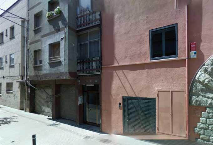 El incendio se ha producido en el número 94 de la calle Lluis Duran