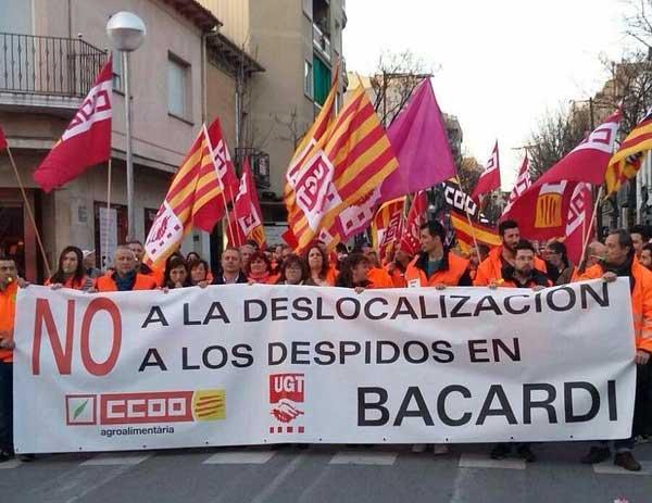 Los trabajadores de Bacardí manifestándose en Mollet