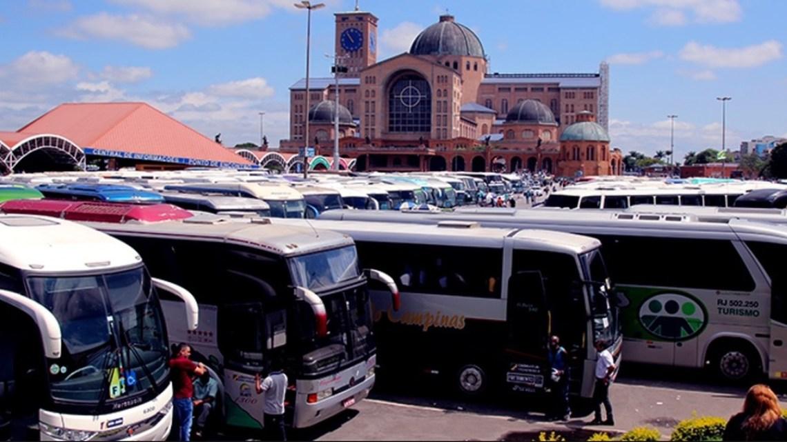 SP: Basílica de Aparecida tem movimento intenso de romeiros e ônibus neste domingo