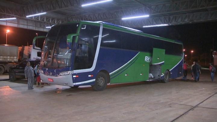DF: Passageiro é baleado na perna durante assalto a ônibus rodoviário