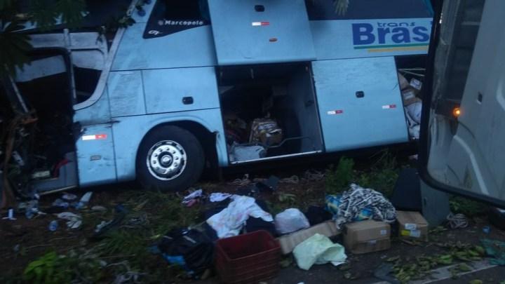 Acidente entre caminhão e ônibus da TransBrasil deixa feridos na BR-174