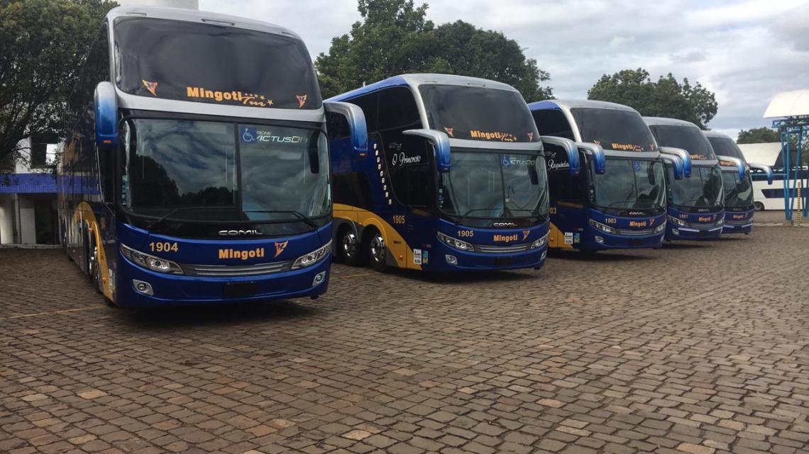 Mingoti Turismo adquire cinco ônibus Comil Invictus DD