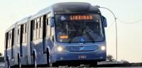 Passageiros de Curitiba reclamam de ônibus sujo e com goteiras