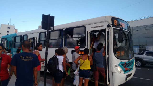 ES: Em Guarapari ônibus já podem parar fora do ponto para mulheres
