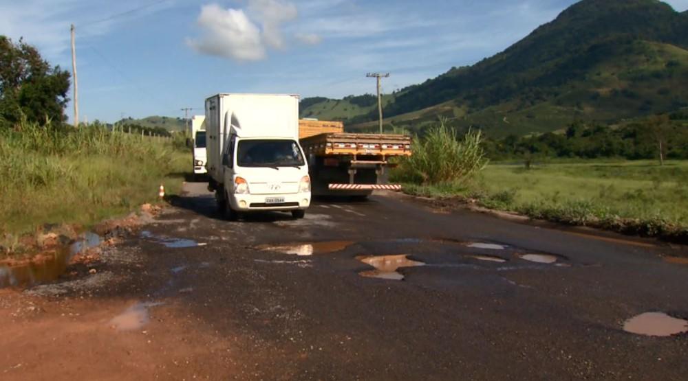 Rodovia no Sul de Minas segue em péssimo estado