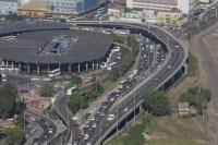 Rodoviária de Porto Alegre sofre com obras no entorno neste sábado