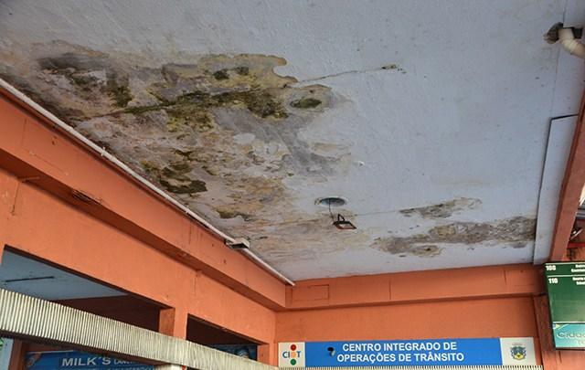 Em Petrópolis,  terminal rodoviário do Centro segue em péssimas condições