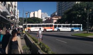 Acidente com ônibus em Petrópolis deixa oito feridos